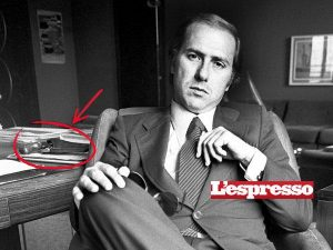 Berlusconi fa la vittima ... e dato che ha fior fiore di avvocati ...