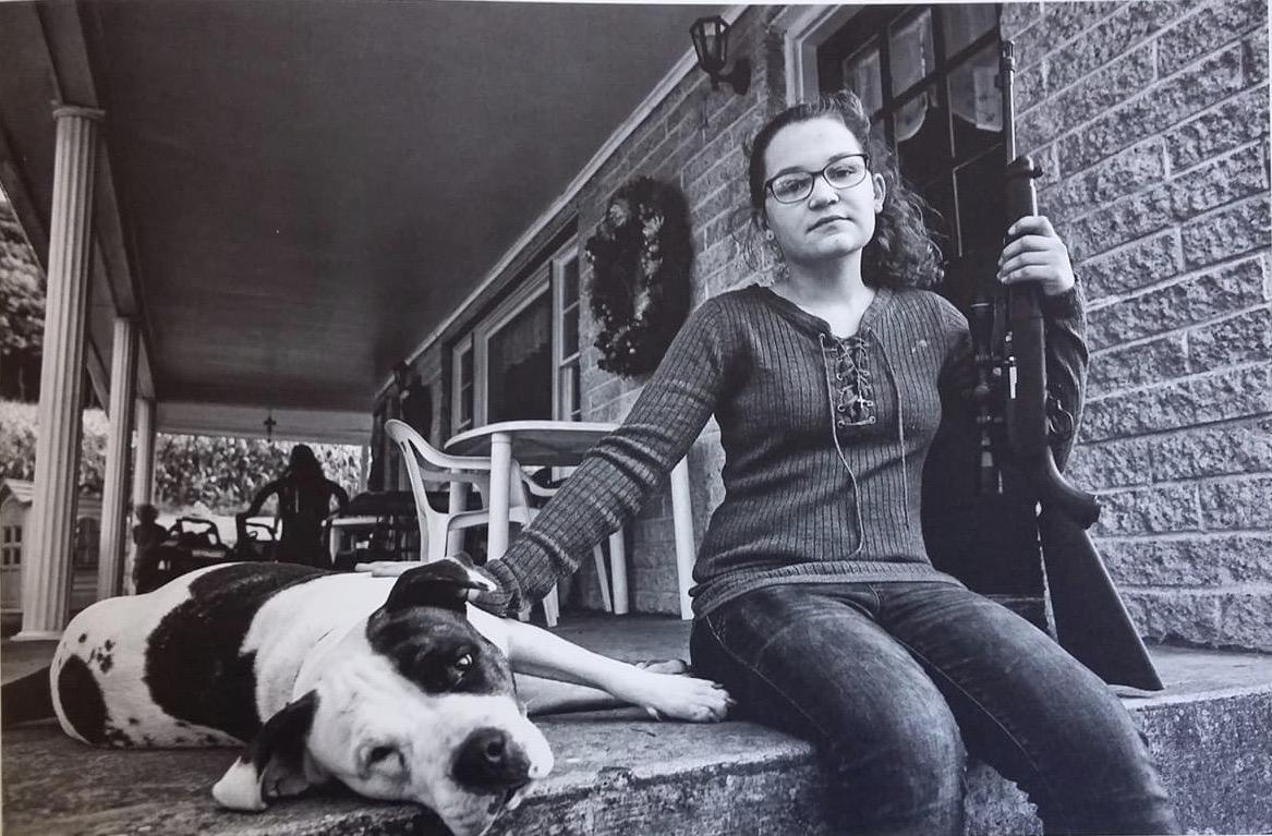Sunbury Pennsilvanya - Lola ha compito 13 anni e per la legislazione americana ha pieno diritto al possesso ed all'uso di un'arma da fuoco. Fonte: ''America First'' di Alan Friedman, foto di Renata Busettini, Max Ferrero.