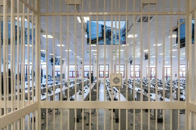 Italia II Maxiprocesso alla 'Ndrangheta! 329 imputati, 400 capi di imputazione ...